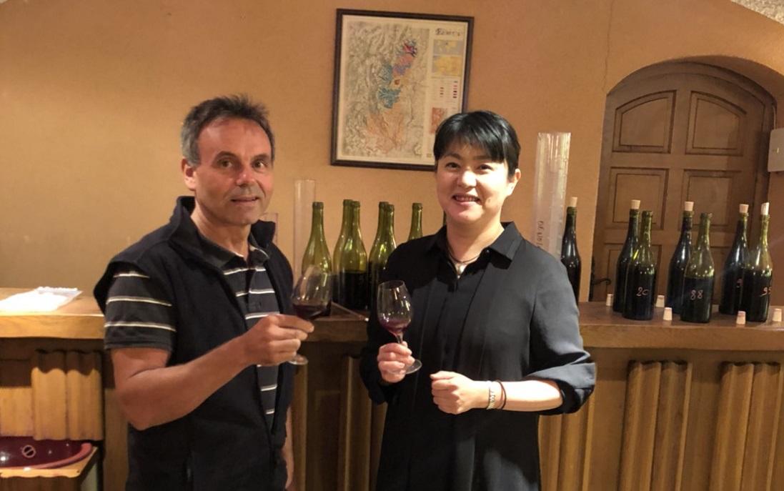 ~女性醸造家「久野 靖子」監修~伝統的なポーボトルのボージョレ・ヌーボー