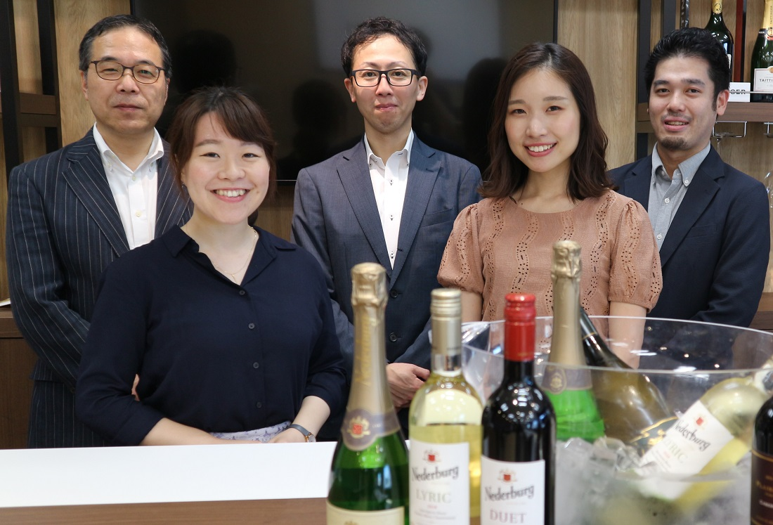 南アフリカワイン「ディステル」社のワイン試飲会に参加した旅工房とサッポロビールのメンバー