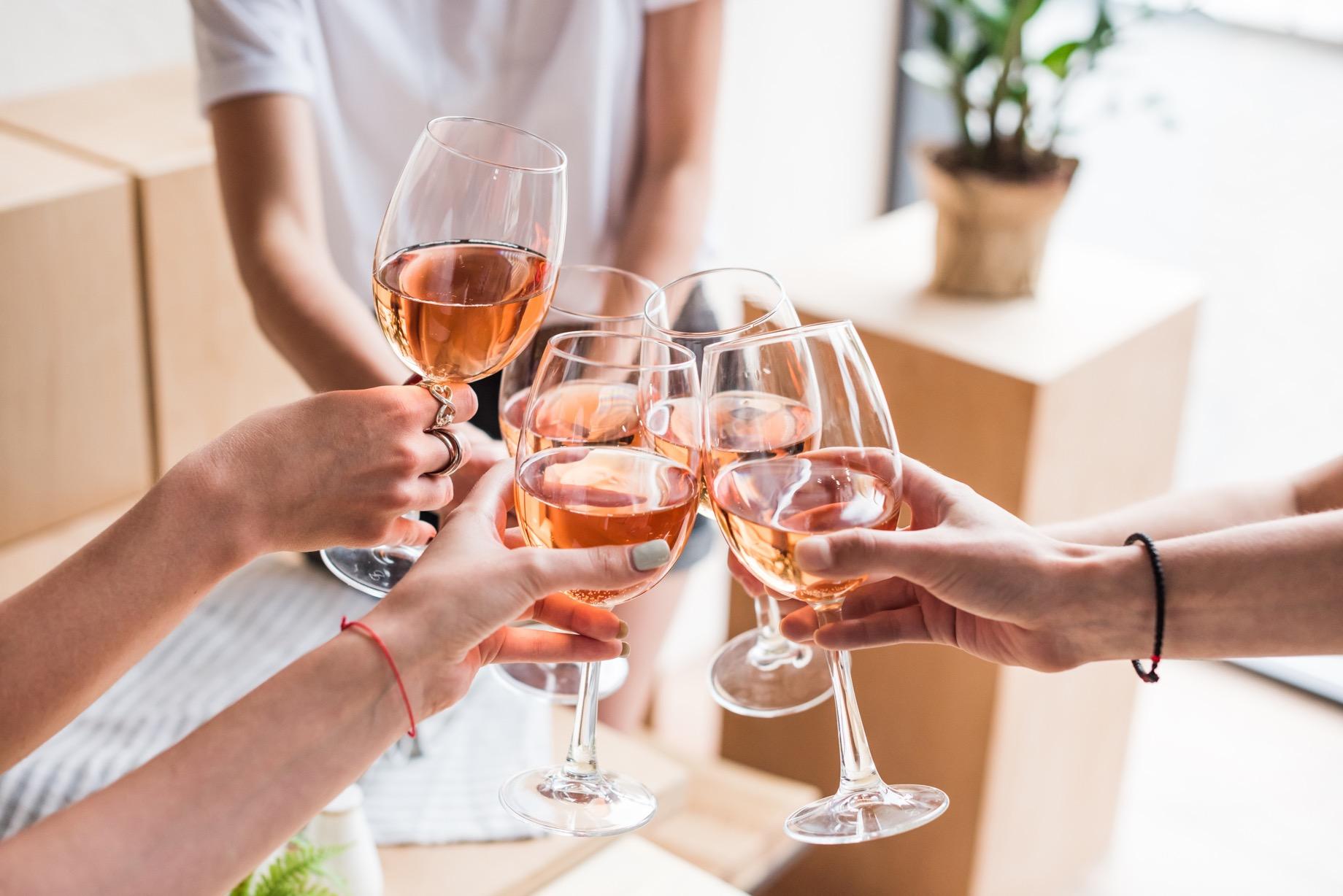 フルーツワインってどんなワイン?気軽に楽しめるおすすめフルーツワインをご紹介