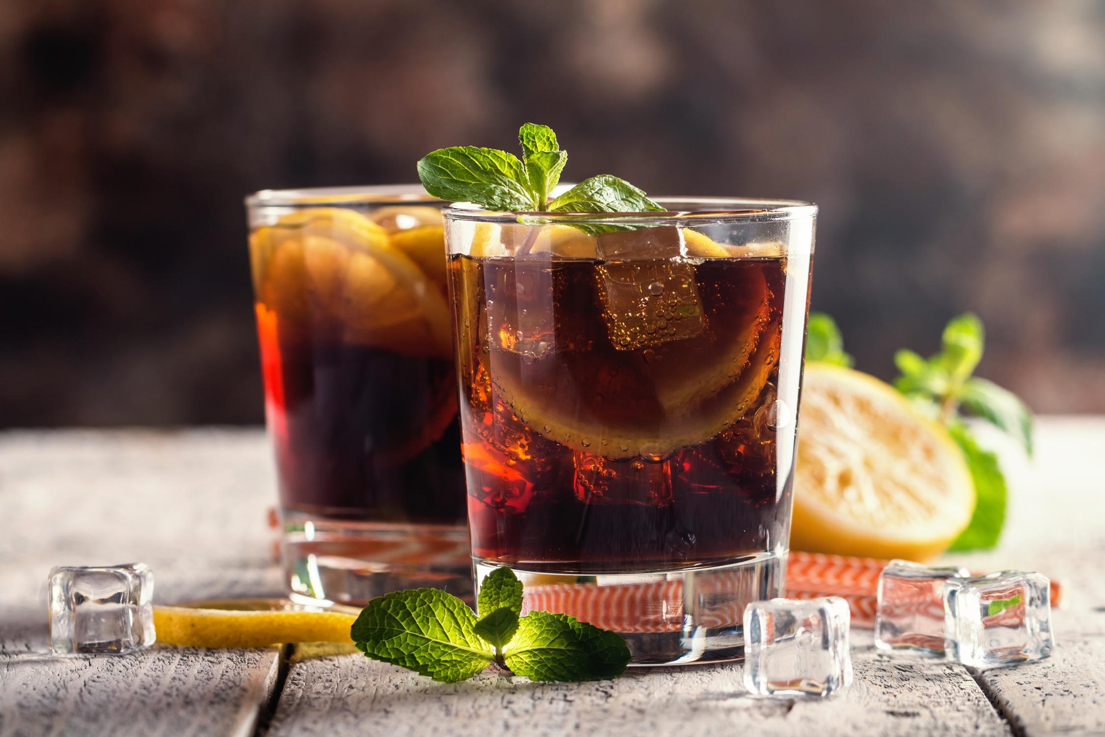 ワイン×コーラのカクテル「カリモーチョ」って?