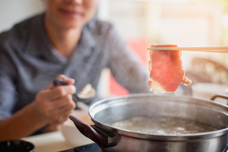 豚肉をつかった鍋料理に合うワインって