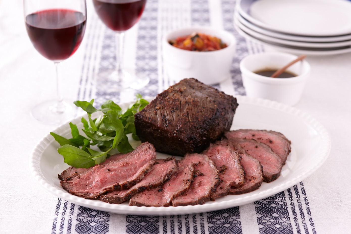 肉料理に合うワインの選び方をご紹介します