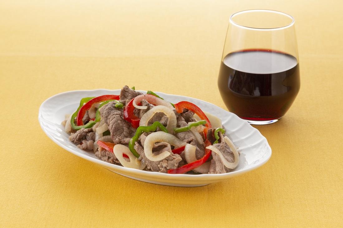 伝説の家政婦【おりとさん】のレシピ、生野菜がおいしい!簡単♪牛肉のマリネの盛り付け