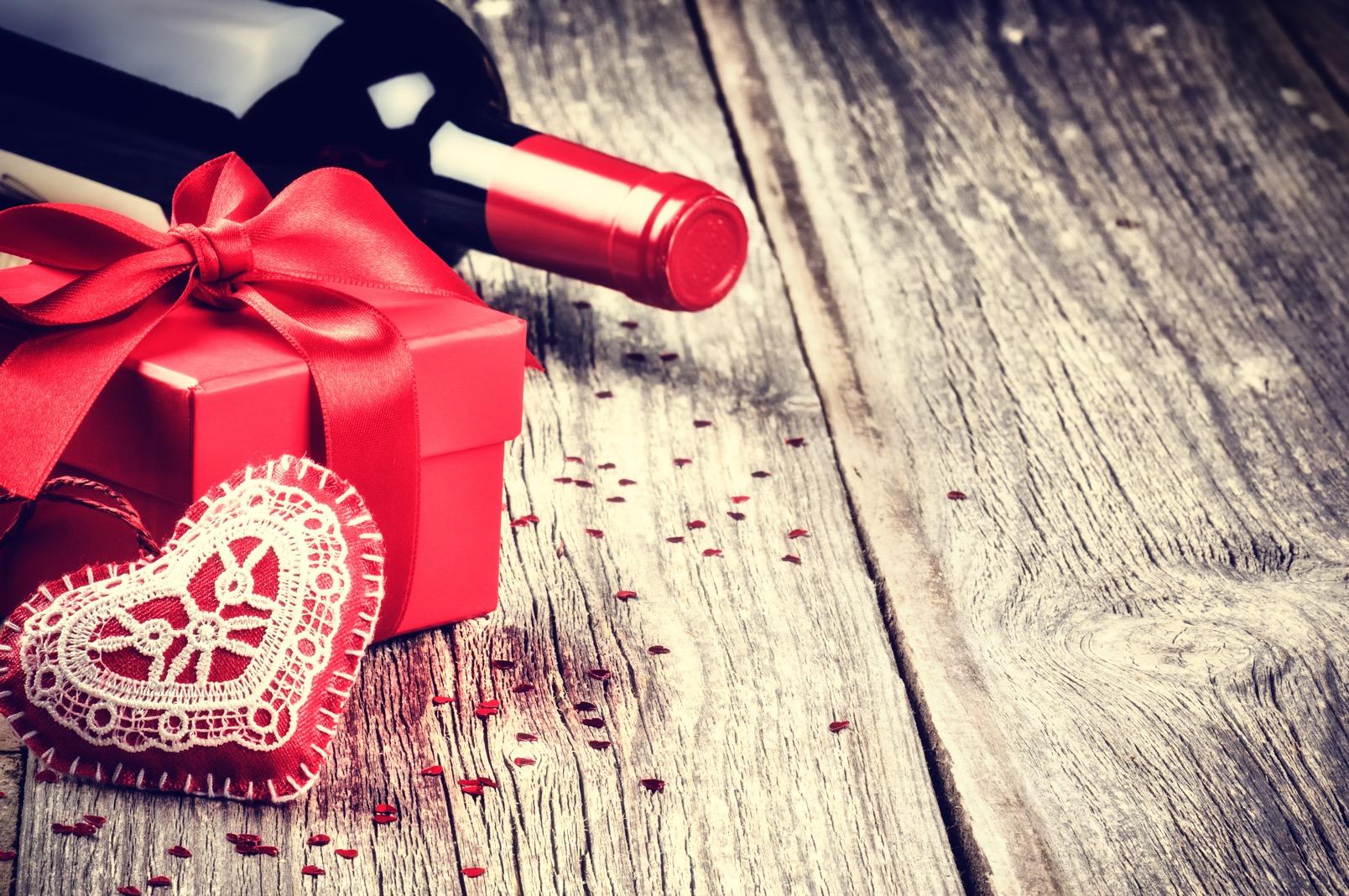 バレンタインにはワインを!贈るときのポイントとは?