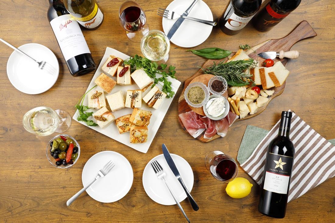 ワインアベニュー限定「俺のBakery&Cafe」とコラボのサンドイッチとワインの食卓イメージ