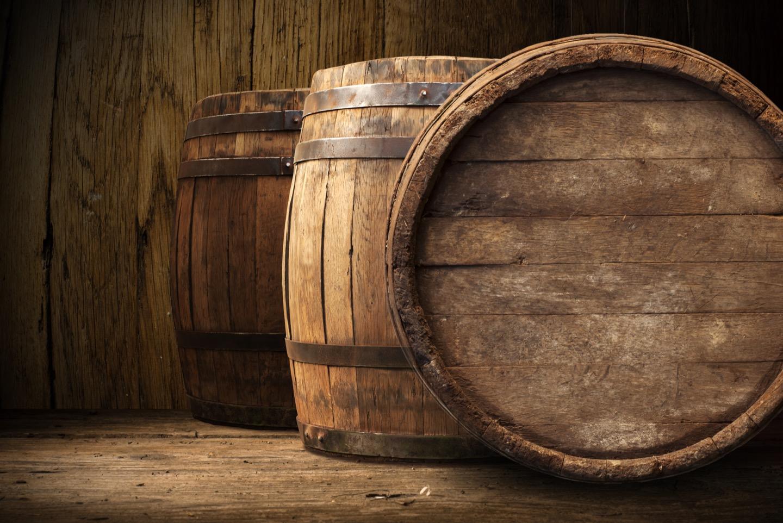 ワインは樽熟成するとどんなメリットがあるの?