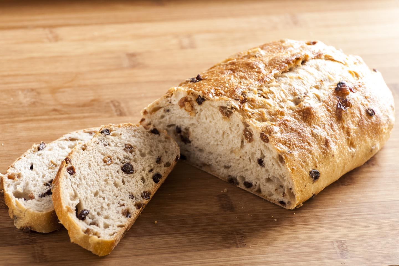 どのパンがおすすめ?ワインに良く合うパンの特長とは