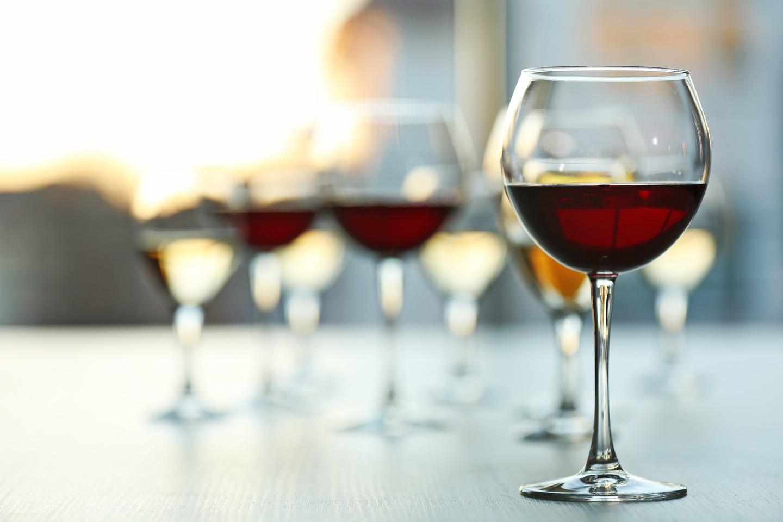 赤ワインに比べてボウルが中程度のものが温まりにくくておすすめ