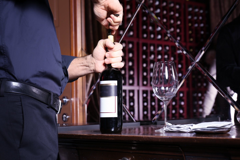 ワインの開け方にはコツがあります