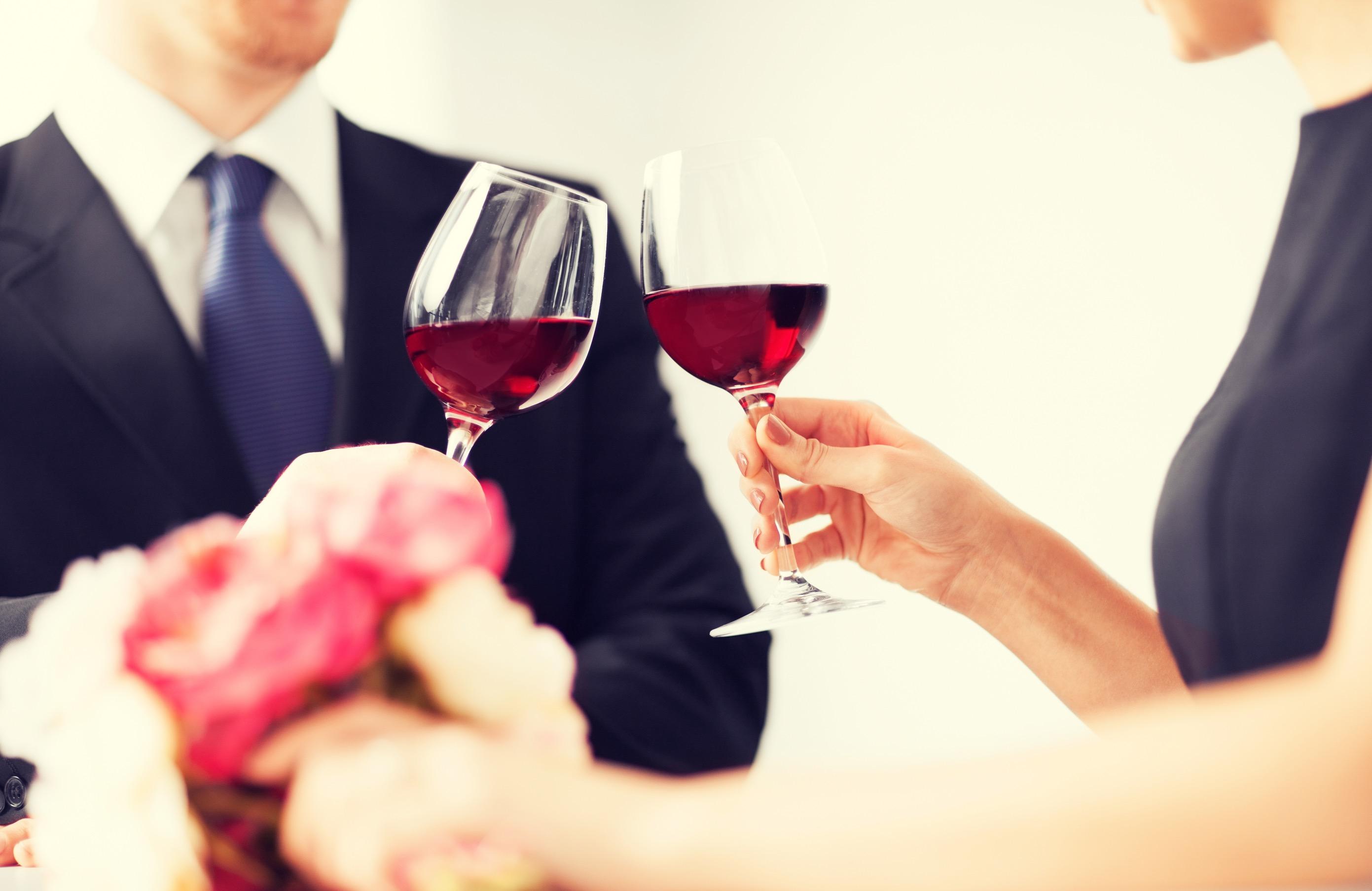 モテる男はワインの知識が豊富!マナーやワイン選びの極意とは