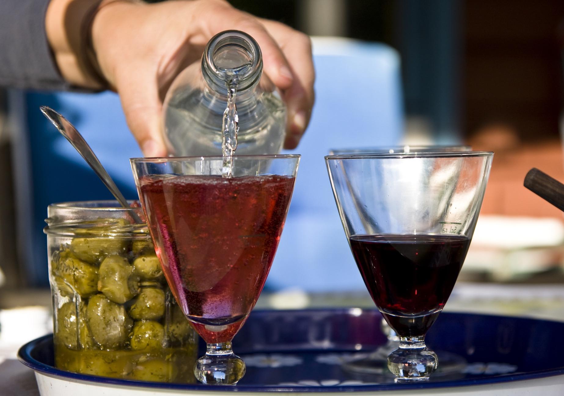 ヨーロッパ地方で浸透しているワインの水割りについてご紹介