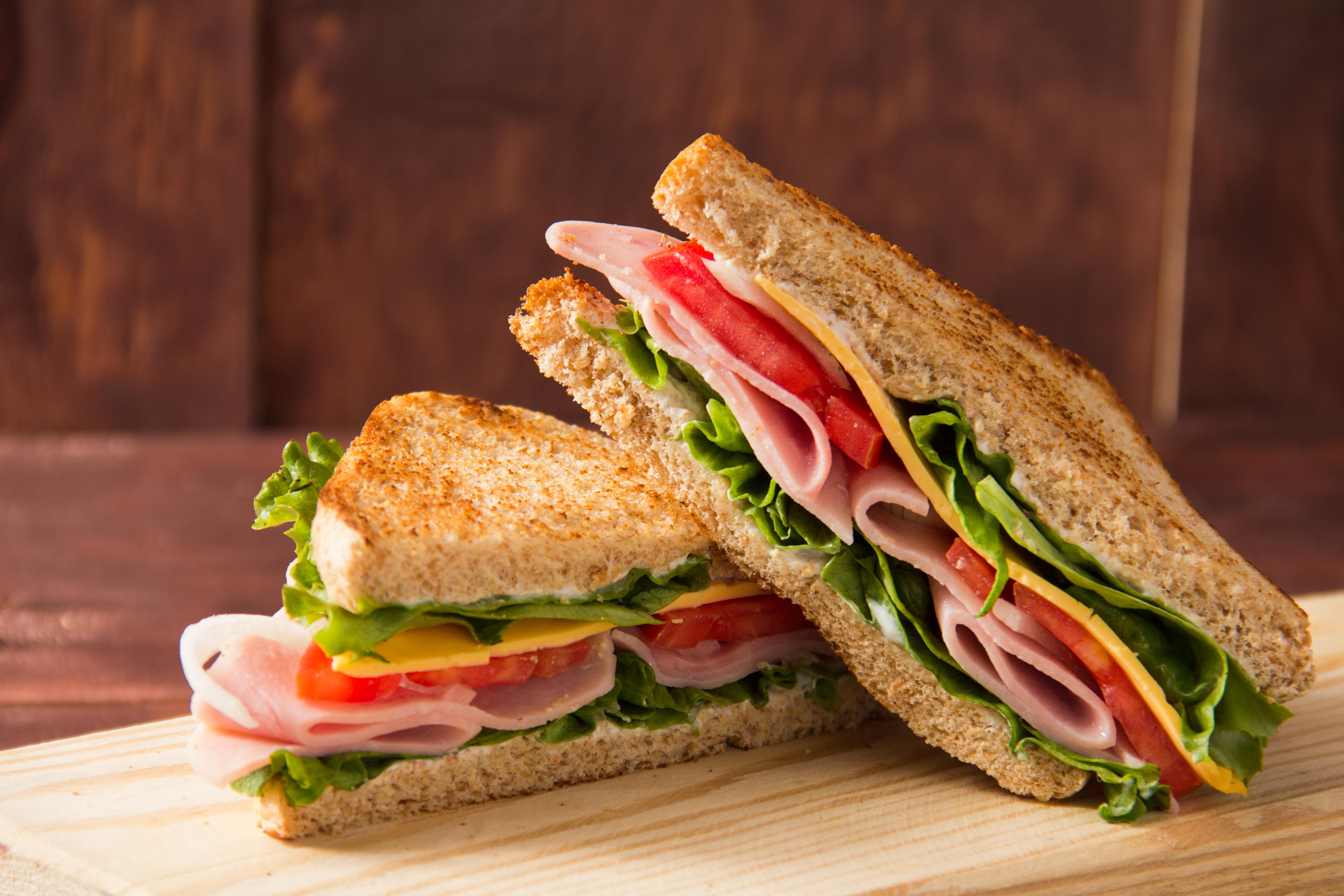 サンドイッチはワインとの相性が抜群!組み合わせたいワインも紹介