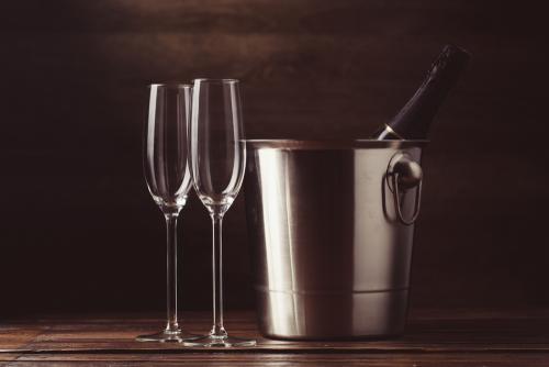 ワインをおいしく飲むならワインクーラー