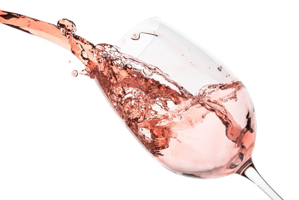 ロゼワインの適温は合わせる料理で変わる!温度調節の仕方を解説