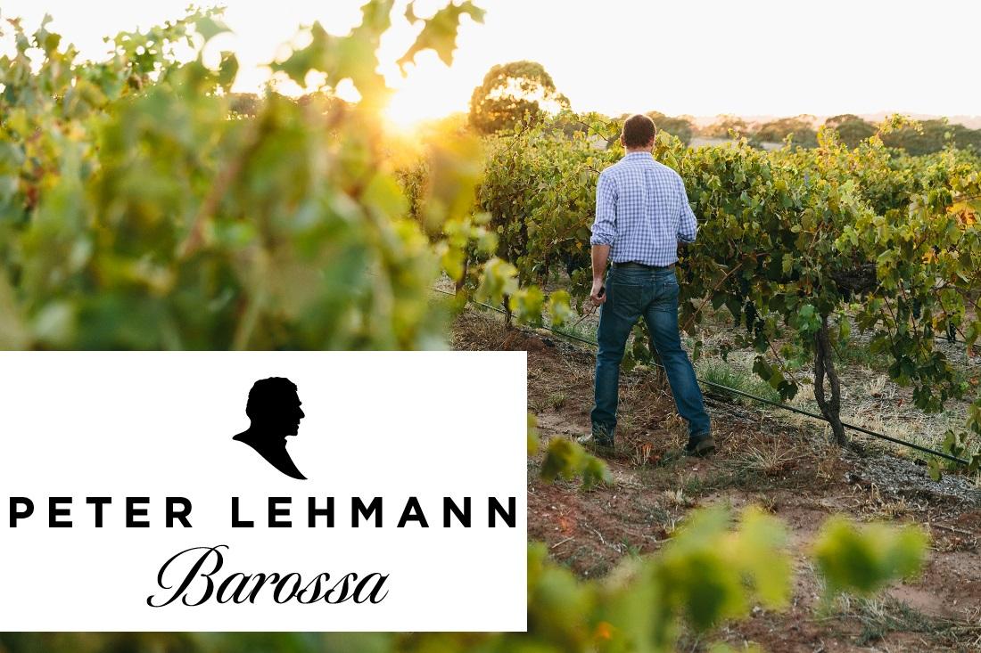 オーストラリアのワイナリー「ピーター・レーマン」のロゴとバロッサバレーのブドウ畑