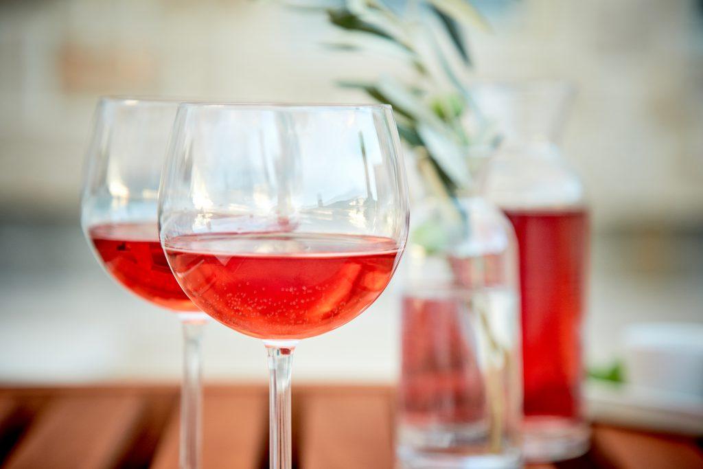 ロゼワインは製法で変わる?3つの製法を徹底解説!