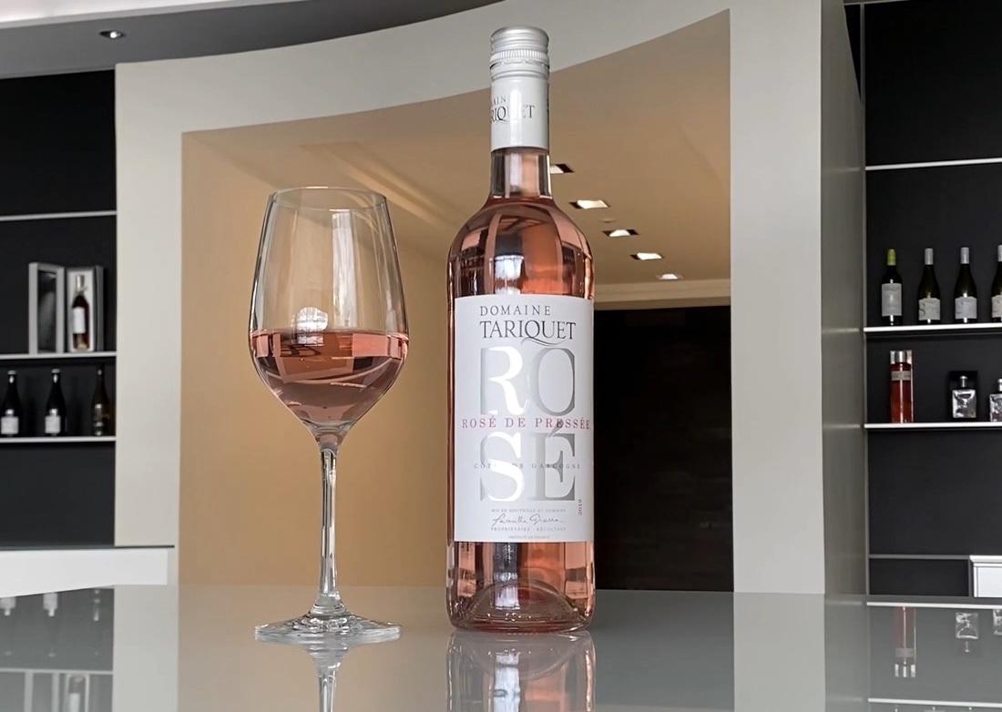 タリケ ロゼ2019ワインボトルとグラス