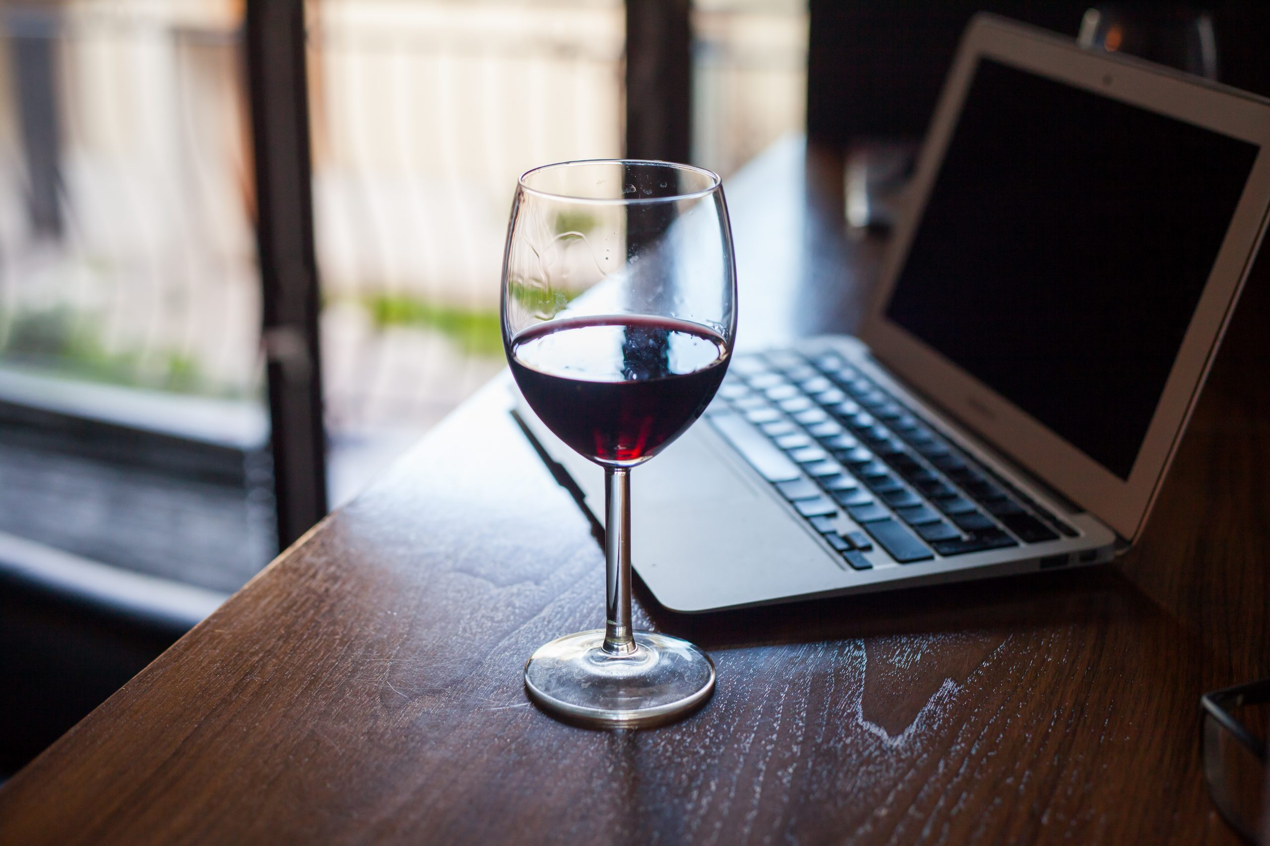 オンライン飲み会でワインを楽しもう!