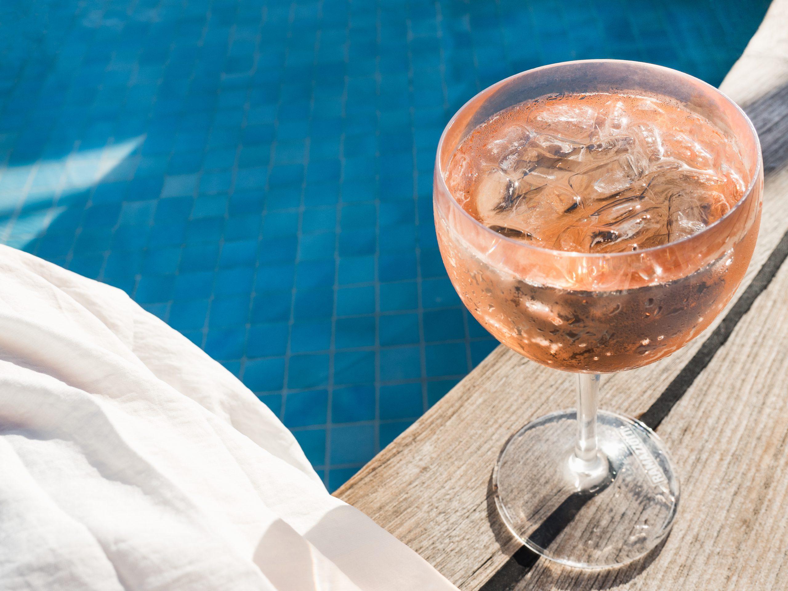 夏のワインは冷やして飲もう!冷やしても美味しいワイン18選