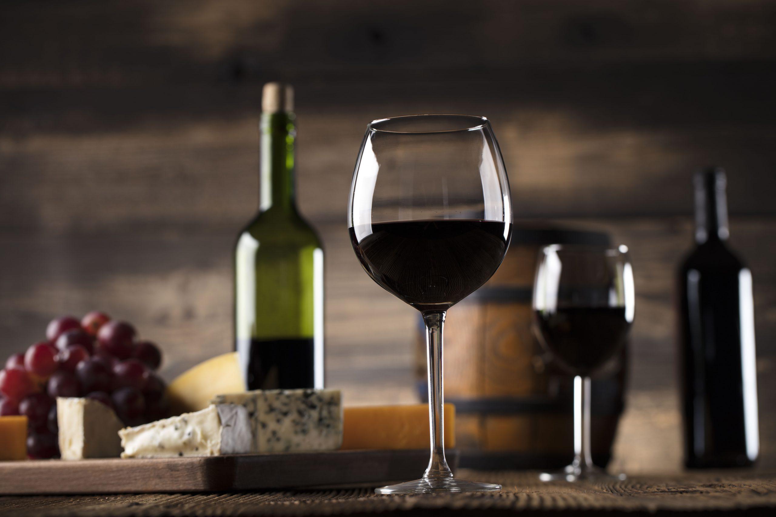 ブルーチーズの魅力を最大限に引き出す食べ方とおすすめワイン