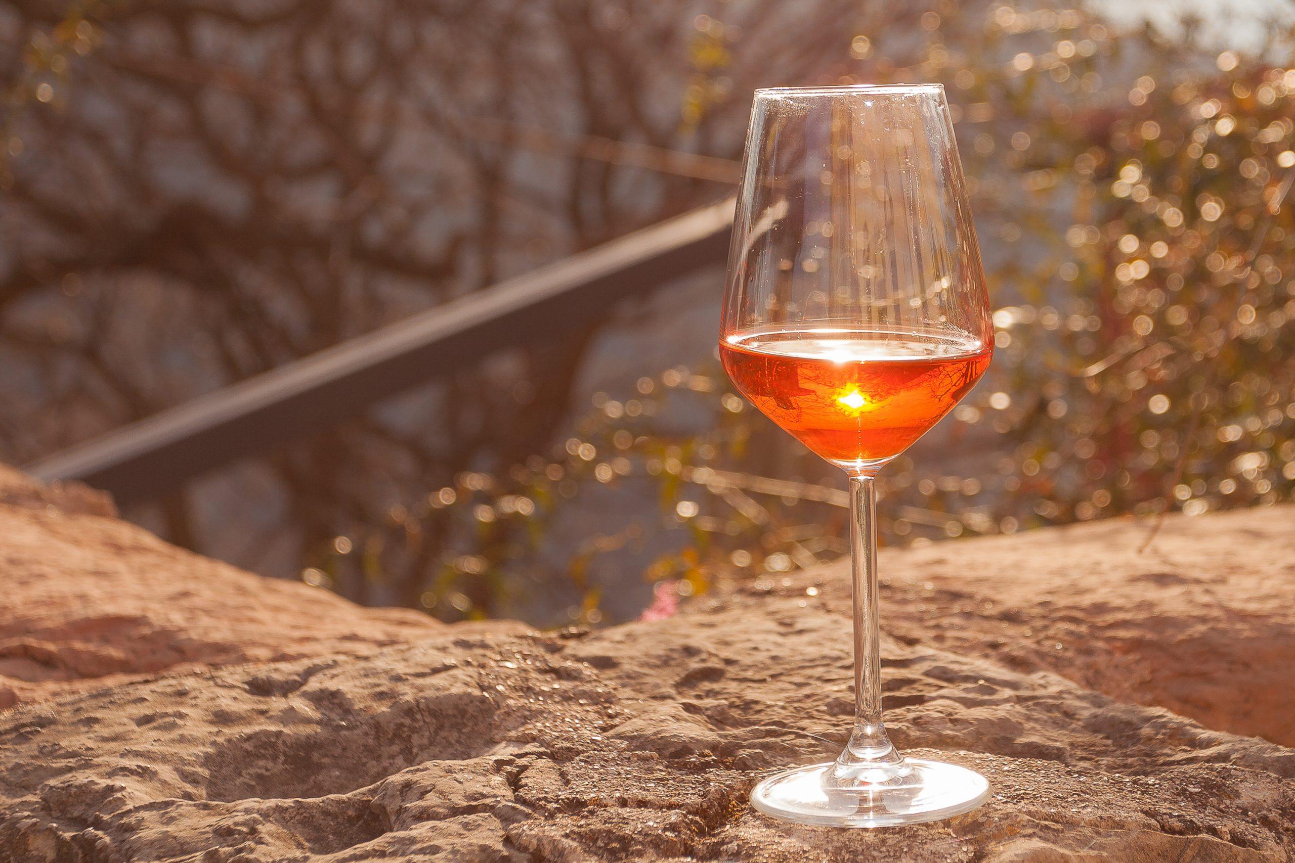 オレンジワインとは?オレンジワインの製造法や味わいを解説