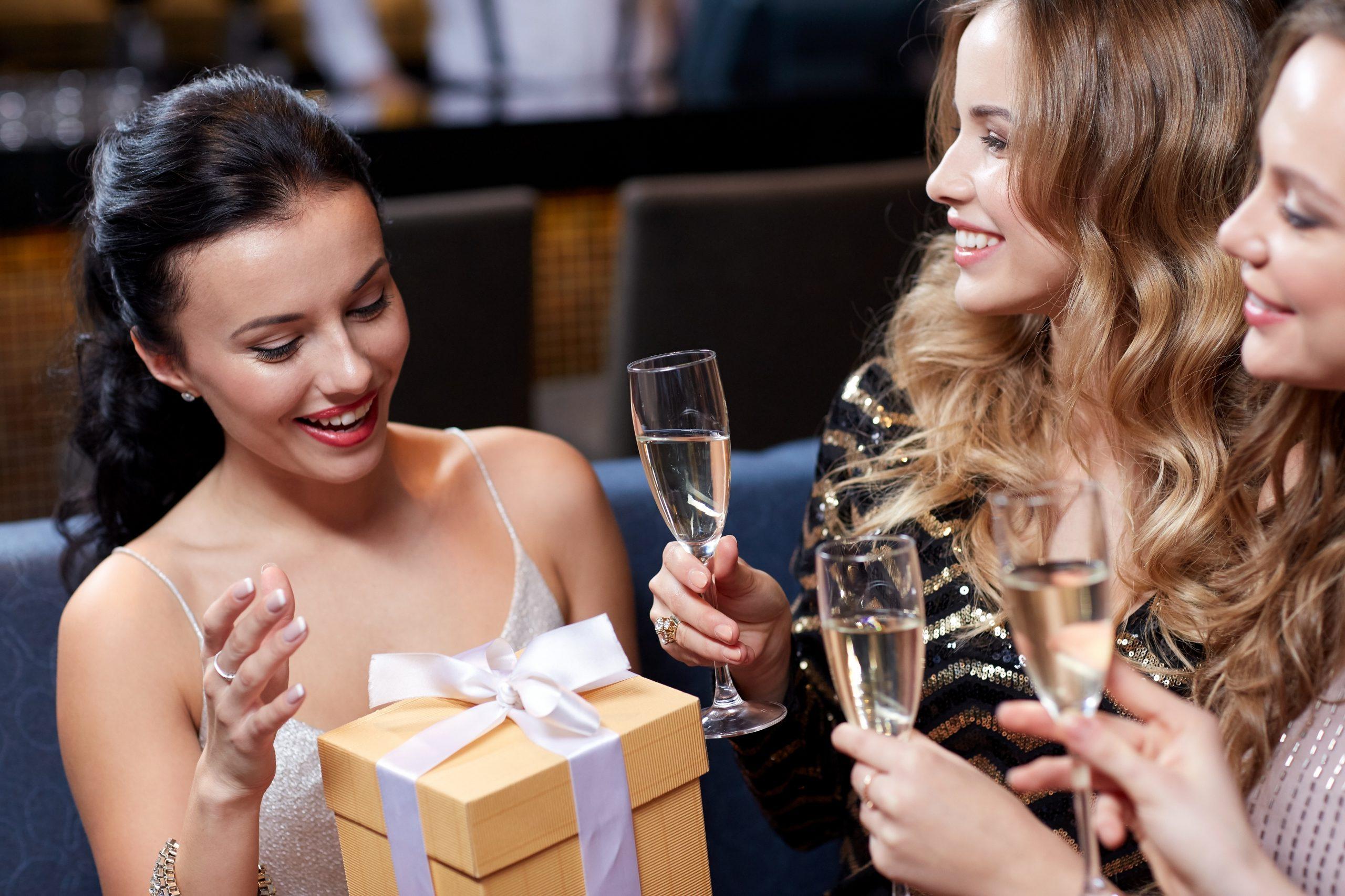 大切な人へのプレゼントにぴったり!おすすめのスパークリングワイン8選