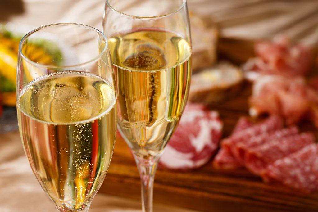 【ワイン初心者】簡単な質問で「あなた好みのスパークリングワイン」を診断!