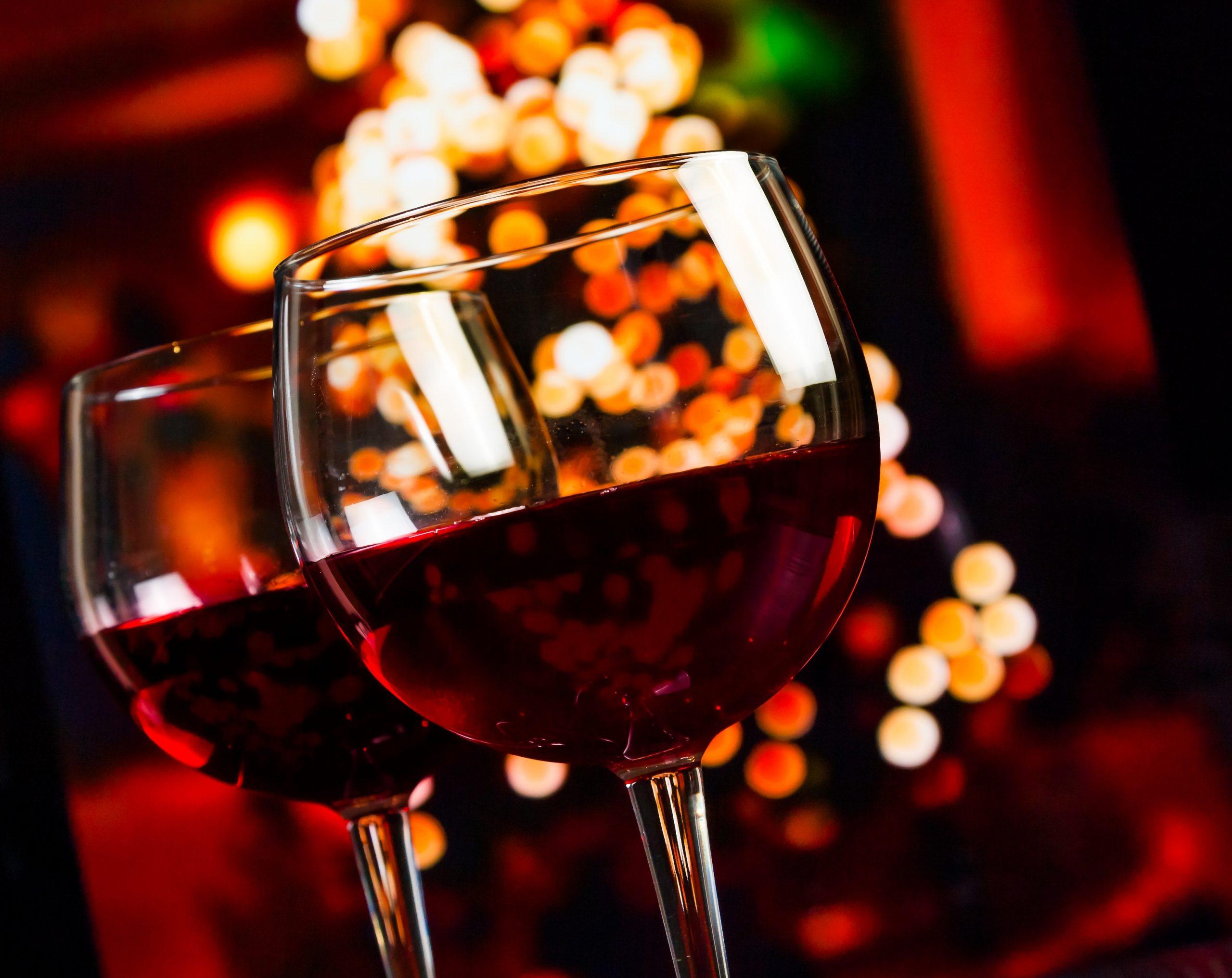 おうちで作ってみよう!おしゃれな赤ワインカクテルのレシピ