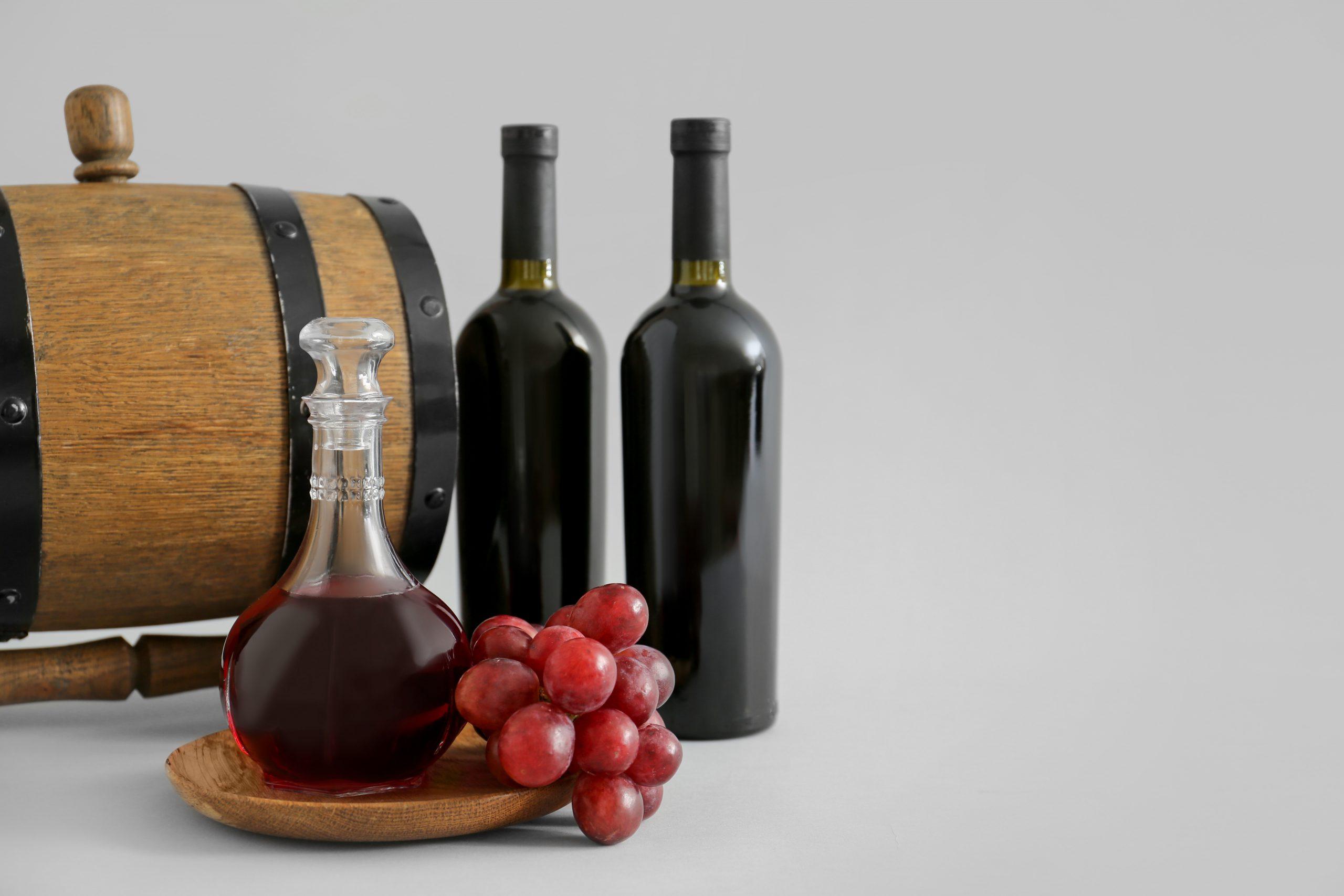 デキャンタとは?ワインをデキャンタージュする方法を徹底解説!