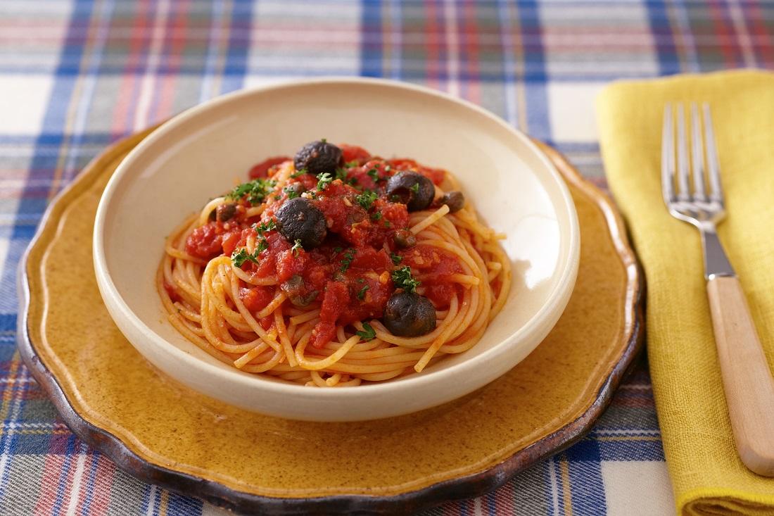 アンチョビとオリーブのトマトパスタ