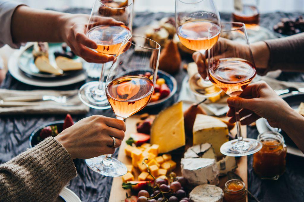 アペリティフとは?ワインを楽しむフランスの素敵な習慣